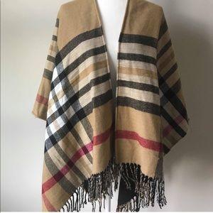 Sweaters - Beautiful Poncho